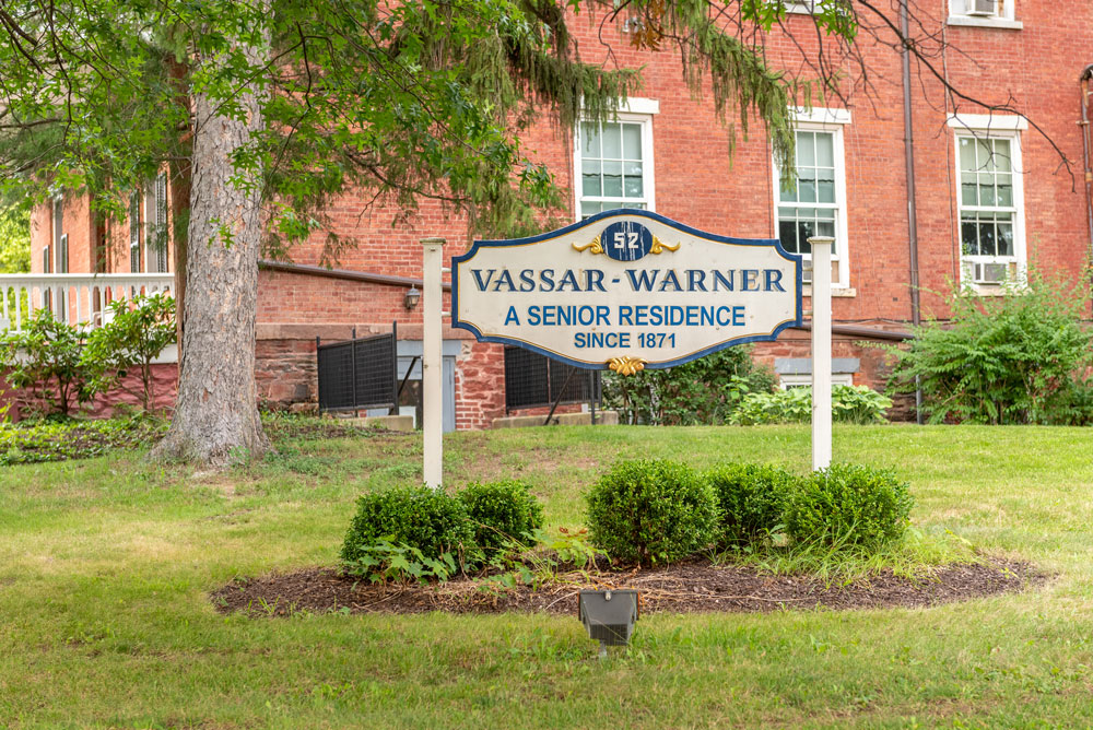 Sign that says Vassar-Warner A Senior Residence