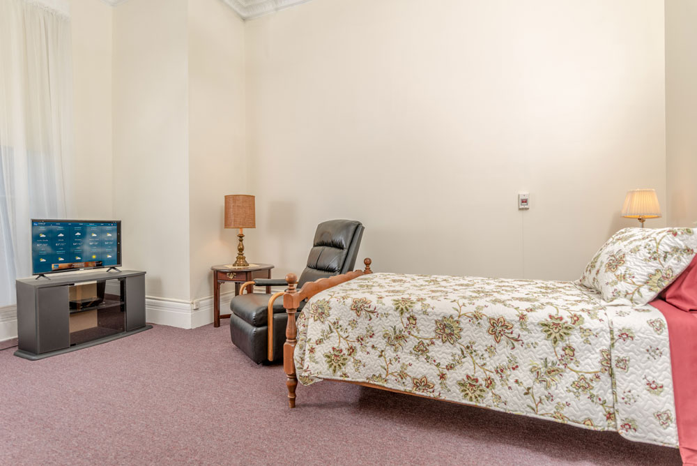 Residence Room at Vassar Warner